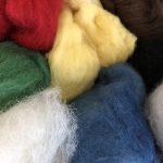 この冬の手仕事は、羊毛フェルトに挑戦します